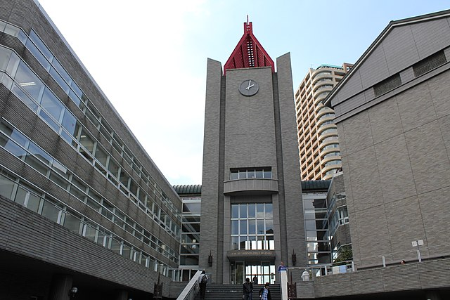 640px-Waseda_University_-_Central_Library.JPG (640×427)