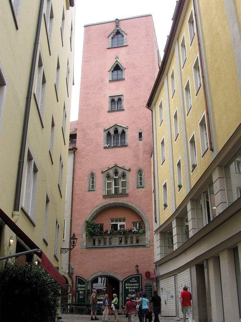 768px-Watmarkt_4_Baumburger_Turm_Regensburg-1.jpg