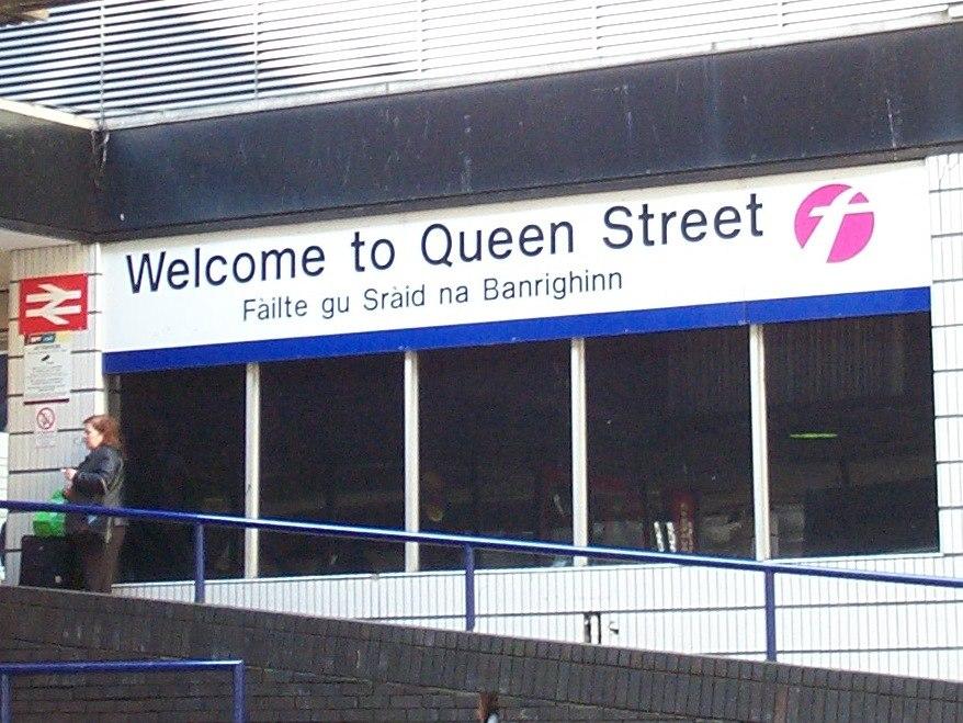 Welcome to Queen Street F%C3%A0ilte gu Sr%C3%A0id na Banrighinn Glasgow