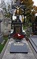 Wiener Zentralfriedhof - Gruppe 31A - Kreuzherren-Orden mit dem Roten Stern.jpg