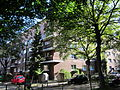 Wohnblock zwischen Heidhörn und Schwalbenplatz in Hamburg-Barmbek-Nord 2.jpg