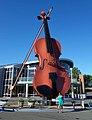 Worlds largest fiddle Sydney.jpg