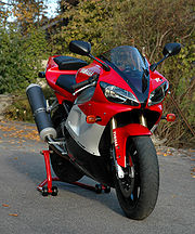 Motosikal Yamaha YZF-R1.