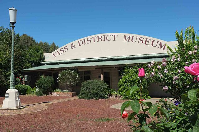 Yass & District Museum, Yass, NSW, Australia, Oct 2013.jpg