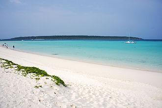 Miyako-jima - Image: Yonahamaehama Miyakojima Okinawa Japan 02bs 3s 4592