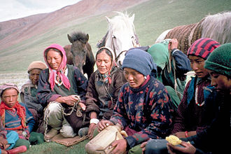 Zanskar - Group of Zanskari women and children
