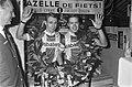 Zesdaagse Amsterdam, winnaar Deense koppel rechts Pallie Lykke en Freddy Eugen i, Bestanddeelnr 920-9245.jpg