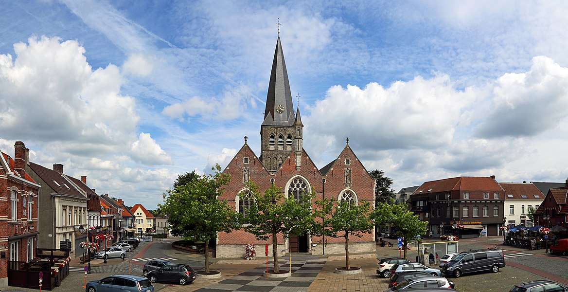 Zomergem (province of East Flanders, Belgium): Market Place and St Martin's church