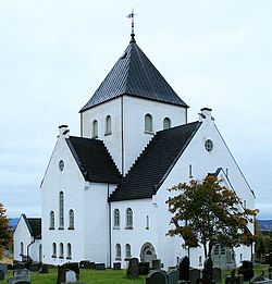 Ås church V Toten.jpg