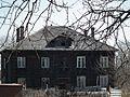 Весна 2011 года. Невская Дубровка. Старый разваливающийся дом на улице Набережной. - panoramio.jpg