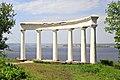 Колонада у Ржищеві над Дніпром.jpg