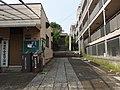 菊坂町会 夜警詰所 スタンドパイプ 大型消火器 (15237656142).jpg