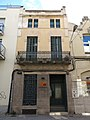 005 Casa Joan Tolrà, c. Enric Borràs 19 (Badalona).jpg