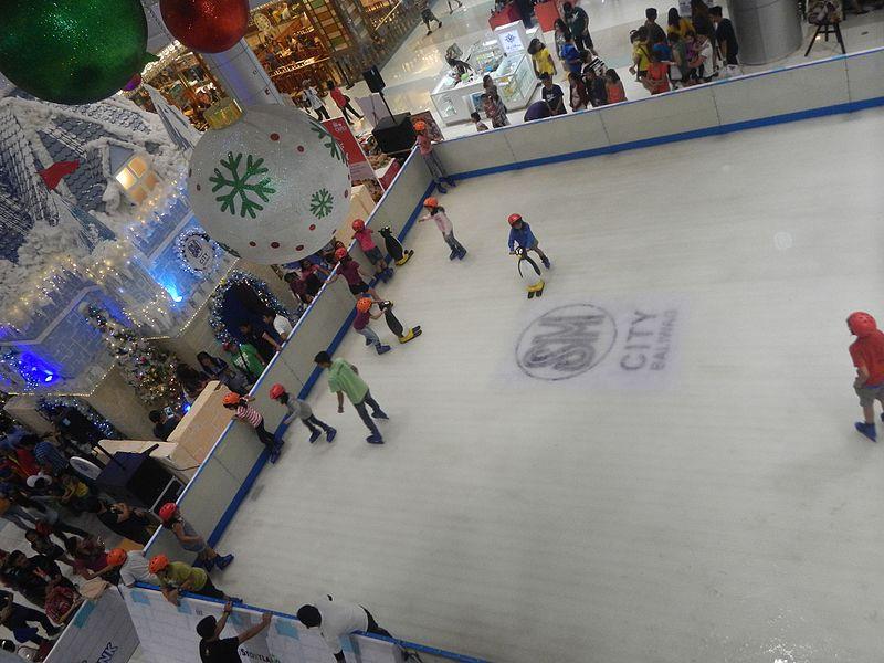 File:02157jfSM Storyland Mobile Ice Rink Baliuagfvf 13.jpg
