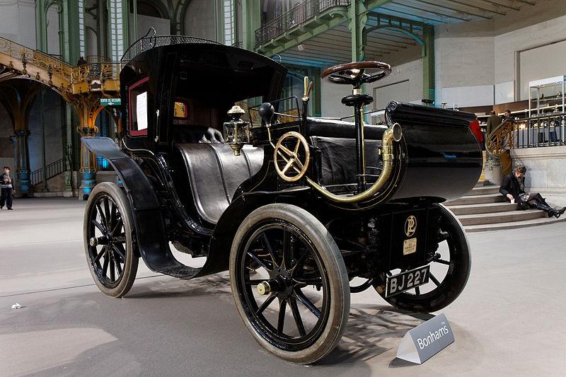 File:110 ans de l'automobile au Grand Palais - Panhard et Levassor 2,4 litres Phaéton à conduite avancée - Carosserie Kellner - 1901.jpg