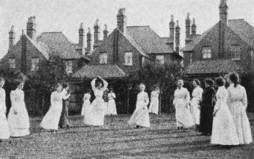 1910 Bournville Club Netball
