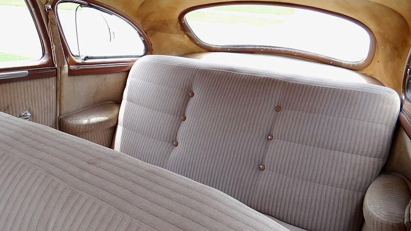 File:1946 Dodge D24C 4-Door Sedan Backseat Backseat 254.JPG