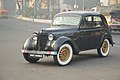 1946 Renault Juvaquatre - 1003 cc - 4 cyl - WBC 8980 - Kolkata 2017-01-29 0512.JPG