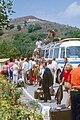 1972-08 Kawarna-Campingplatz, Transitbus vom Flughafen mit Jugendtouristgruppe.jpg