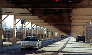 Lake Street (Chicago) - The Green Line elevated tracks run above Lake Street for the majority of its length. Photo circa 2002