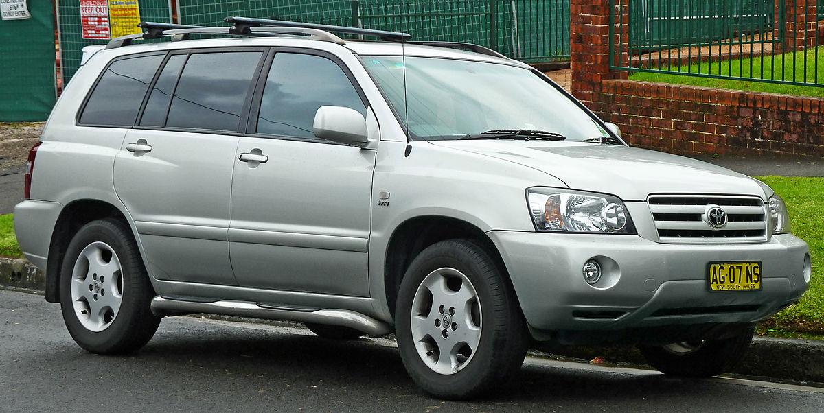 2003-2007 Toyota Kluger (MCU28R) Grande wagon (2011-06-15) 01.jpg