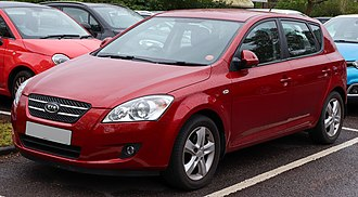 Kia Ceed - Pre-facelift Kia Cee'd (front)