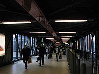 2013 at Reading station - old footbridge looking north.JPG