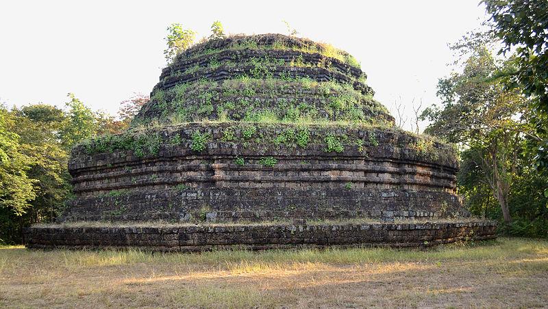 File:201401011630a (Hartmann Linge) Sukhotha Khao Phra Bat ...