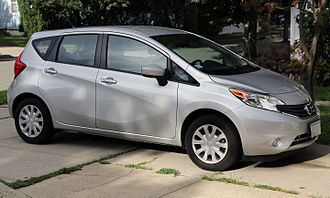 Nissan Versa - Image: 2015 Nissan Versa Note SV, front right side