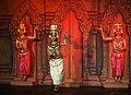 2016 Phnom Penh, Tradycyjny Kambodżański Pokaz Tańca (012).jpg