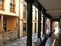 231 Calle de Bances Candamo (Sabugo, Avilés), porxos.jpg