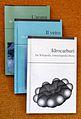 3 Wikilibri a scala (Idrocarburi, Il vetro, L'acqua).JPG