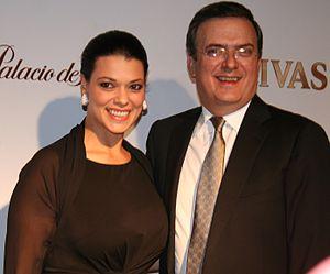 Rosalinda Bueso - With husband Marcelo Ebrard in November 2012
