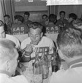 51ste Tour de France 1964, maaltijden Nederlandse ploeg Jac van der Klunder…, Bestanddeelnr 916-5763.jpg