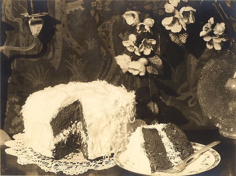 """ACJziegfeld cake"". Licensed under Public Domain via Wikimedia Commons - https://commons.wikimedia.org/wiki/File:ACJziegfeld_cake.jpg#/media/File:ACJziegfeld_cake.jpg"