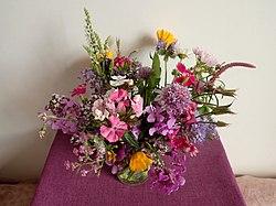 A bouquet of garden flowers 2020-06-06 9390.jpg
