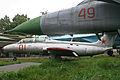 Aero L-29 Delfin 01 red (8467773913).jpg