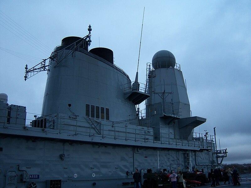 File:Aircraft carrier HMS Ark Royal (R07) pic 35.jpg
