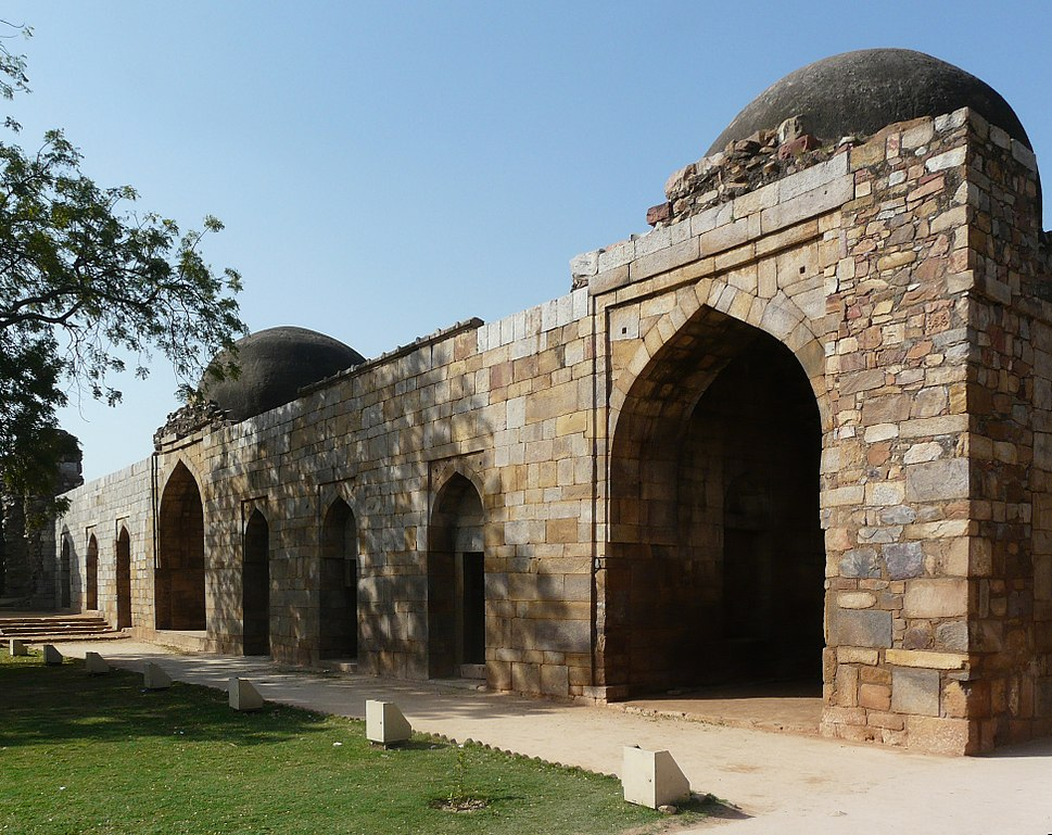 Alauddin%27s Madrasa, Qutb complex