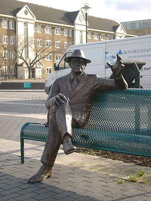 Alfred Salter - Statue of Salter in Bermondsey
