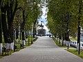 Allee in Pushkin park, Vladimir.jpg