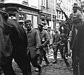 Amiens. 8.6.1915. Prisonniers allemands - Fonds Berthelé - 49Fi22 (cropped).jpg