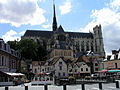 Amiens with cathedral.jpg