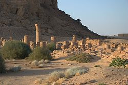 Amun Tempel Barkal SW.jpg