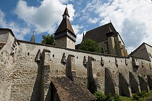 Villages with fortified churches in Transylvania - Image: Ansamblul bisericii evanghelice fortificate 1