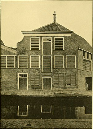 Antonie van Leeuwenhoek - van Leeuwenhoek's birth house in Delft, in the Netherlands, in 1926 before it was demolished