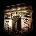 Arc de Triomphe de nuit (32285667738).jpg
