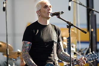 Art Alexakis - Alexakis performing at Emory University, September 2007