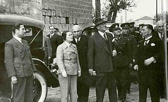 Sabiha Gökçen - Atatürk, Ali Çetinkaya and Sabiha Gökçen in Diyarbakır.