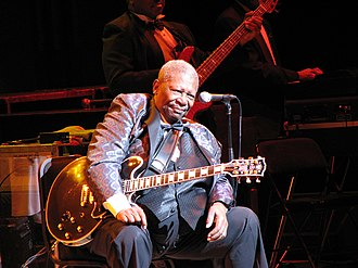 King at Roy Thomson Hall, Toronto, in May 2007 BB King onstage (Toronto, 2007).jpg
